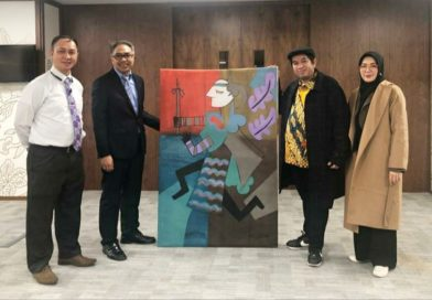 Sejumlah Karya Seniman Indonesia Diserahkan ke The London Collection KBRI London