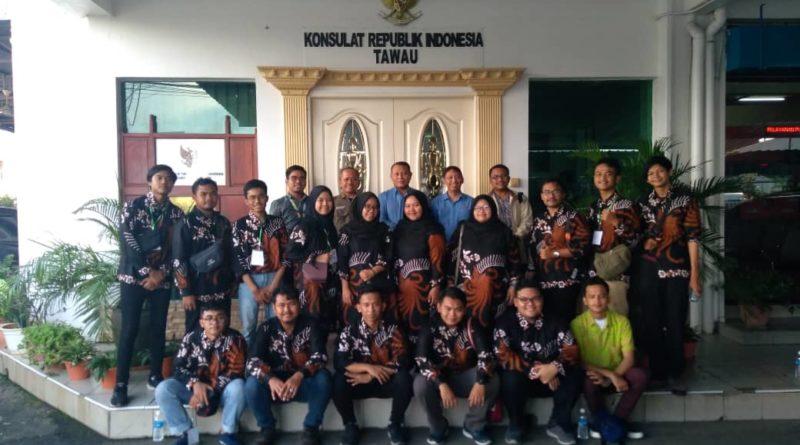 Enam Belas Mahasiswa Indonesia Abdikan Diri Mengajar di Tawau