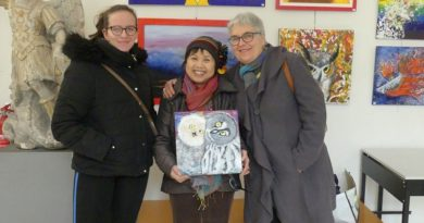 Bermain dengan Kuas dan Warna Menjadi Ciri Khas Pameran  Karya Seniman Indonesia di Prancis ini