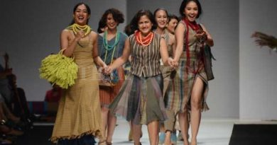 Amanda indah lestari harumkan indonesia di nyfw